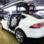Tesla-Model-X-Reservierungen-8000