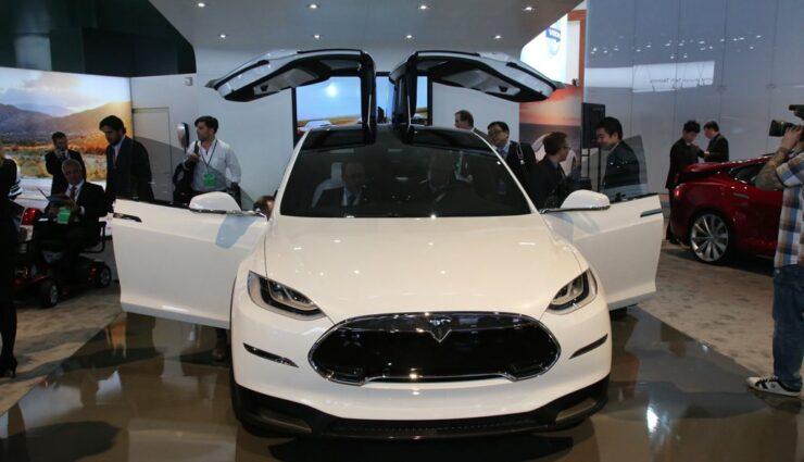 Über 12.000 Reservierungen des Model X