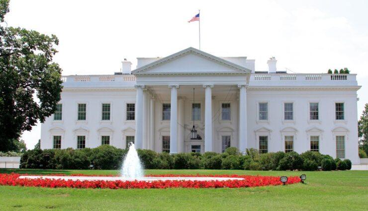 Noch keine Antwort vom Weißen Haus über Petition zu Teslas Direktvertrieb