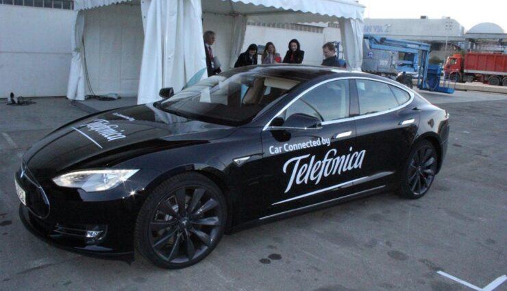 Tesla entscheidet sich für Telefónica als europäischen Netzbetreiber