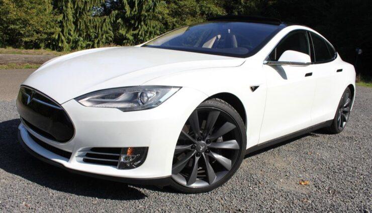 Erste Grauimporte des Tesla Model S erreichen China