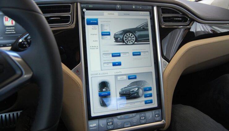 Teslas Infotainmentsystem belegt Platz 1 in der Nutzererfahrung