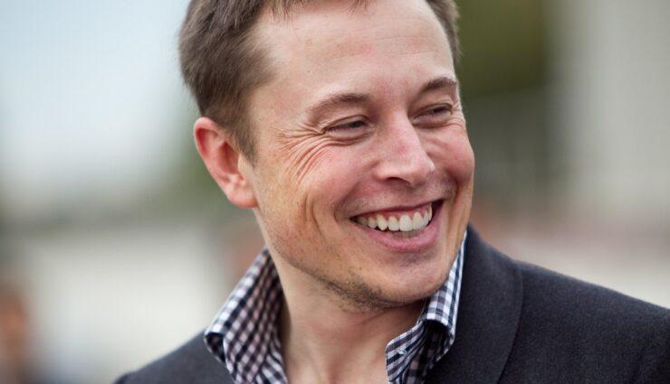 Elon Musk bleibt weitere vier bis fünf Jahre CEO von Tesla Motors