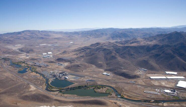 New Mexico: Immobilienmakler bietet Tesla kostenlos über 160 Hektar Land an