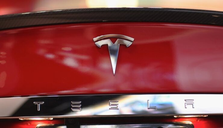 """Tesla Motors im Rechtsstreit mit chinesischem Geschäftsmann um Markenrecht zu """"Tesla"""""""