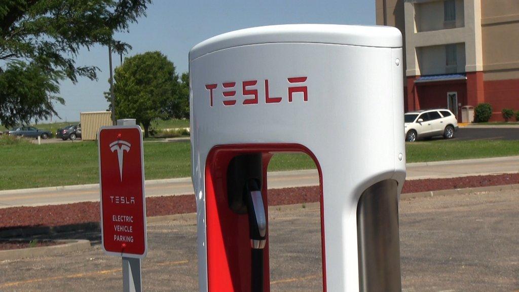 tesla-supercharger-australien