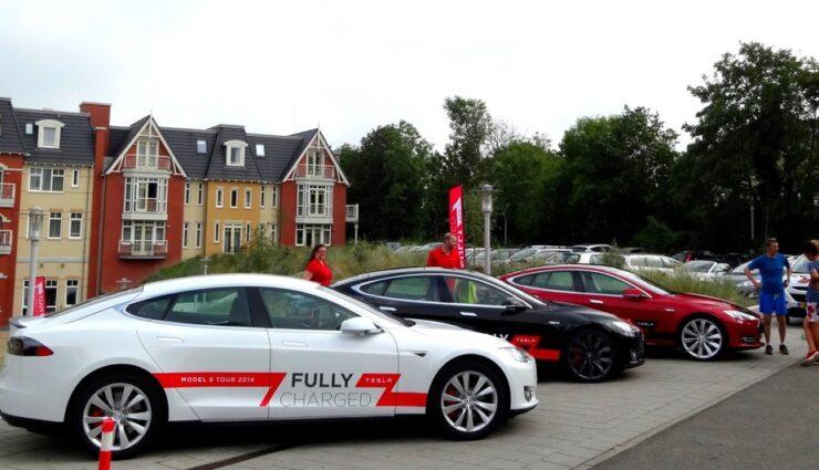 Iowa: Model S-Besitzer geben eigene Fahrzeuge zur Probefahrt her