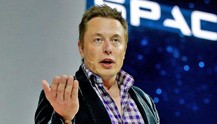 Bild kürt Elon Musk mit dem Goldenen Ehrenlenkrad 2014