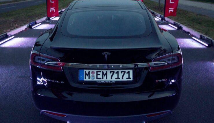 Laut Elon Musk bestellen 70 Prozent der Kunden den Doppelmotor mit Allradantrieb