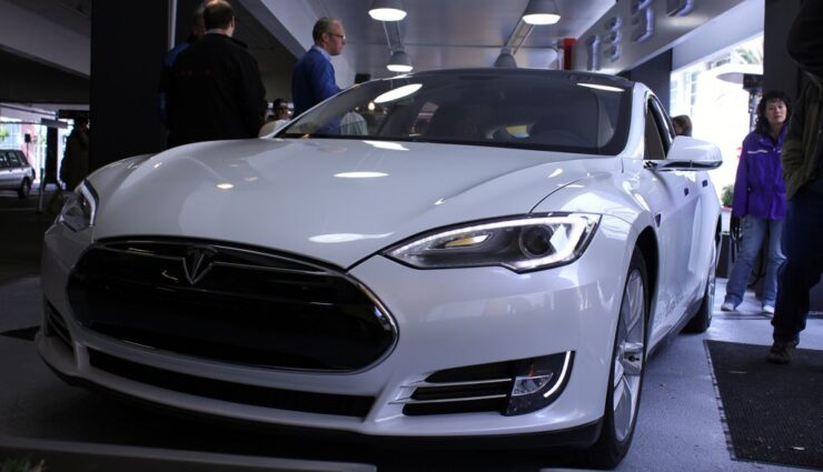 Tesla Motors verkauft überholte Vorführwagen besonders günstig