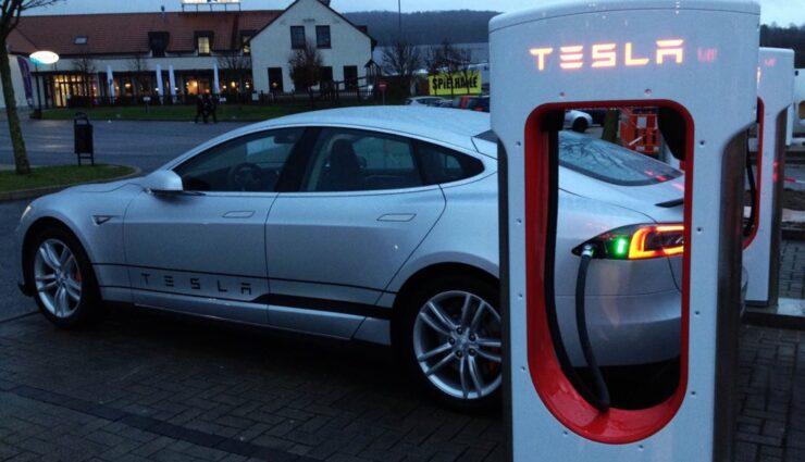 Tesla Vize-Präsident Jerome Guillen spricht über Unterschiede zwischen Europa und U.S.