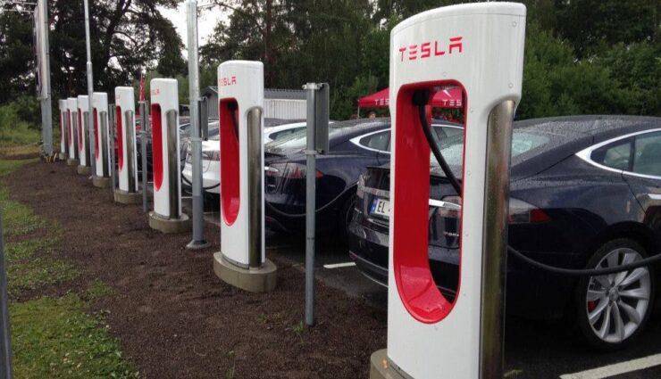 Tesla Model S belegt den fünften Platz der meisterkauften Autos in Norwegen in 2014
