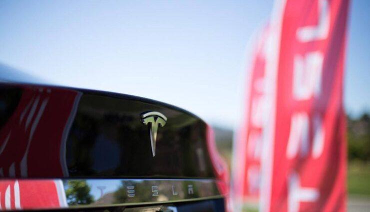 Tesla Motors sucht Mitarbeiter für die stationären Energiespeicher