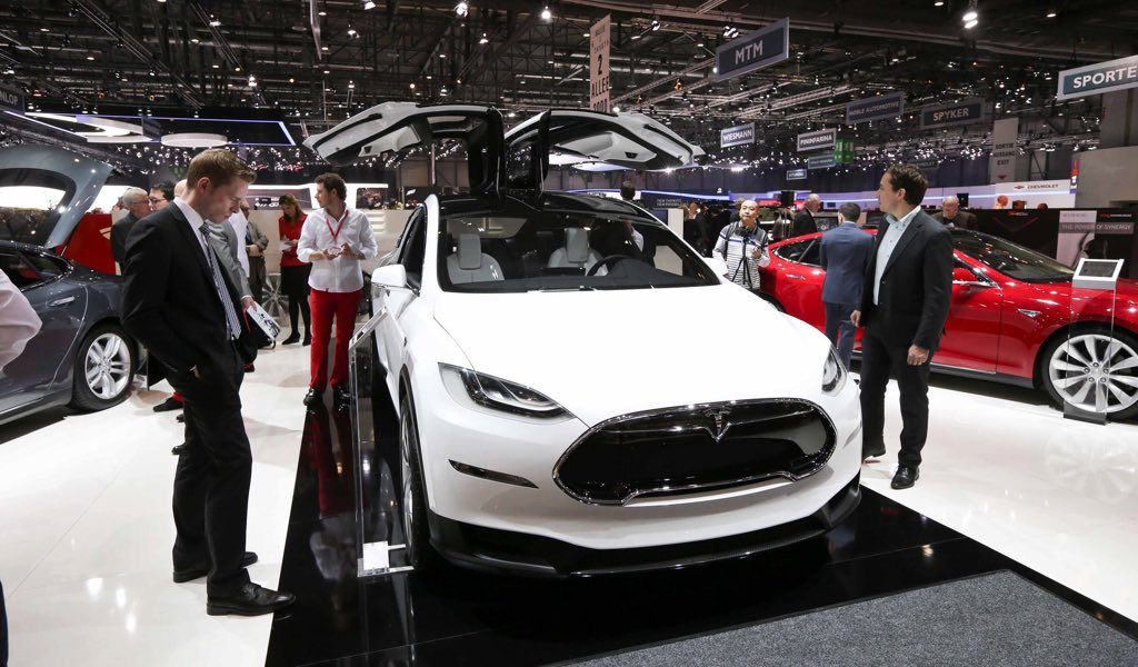 tesla pressesprecher nennt preisrahmen f r das model x. Black Bedroom Furniture Sets. Home Design Ideas