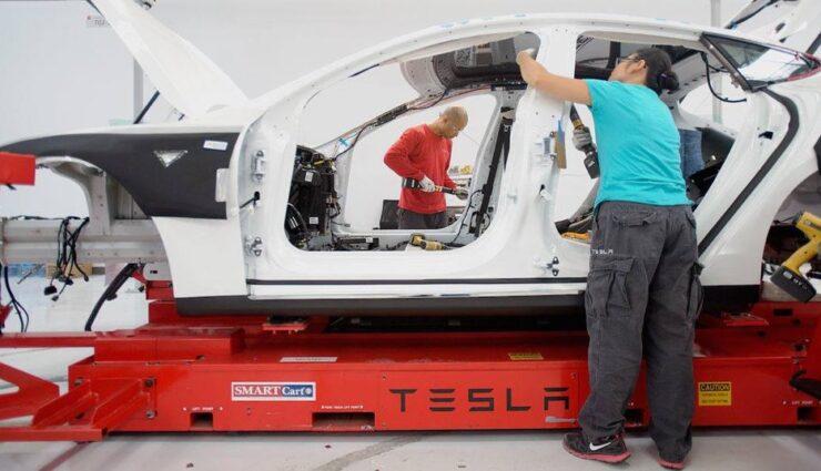 Tesla Motors hat Mitarbeiterzahl in 2014 beinahe verdoppelt