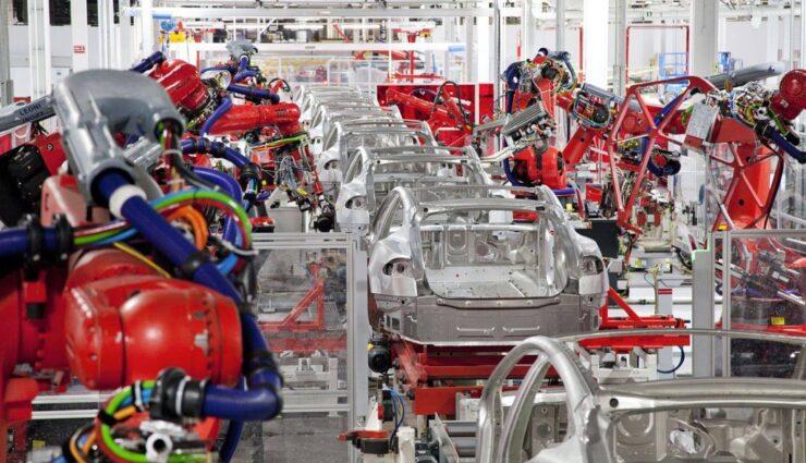 Weimar-Werk GmbH stattet Tesla Motors mit Fördertechnik aus