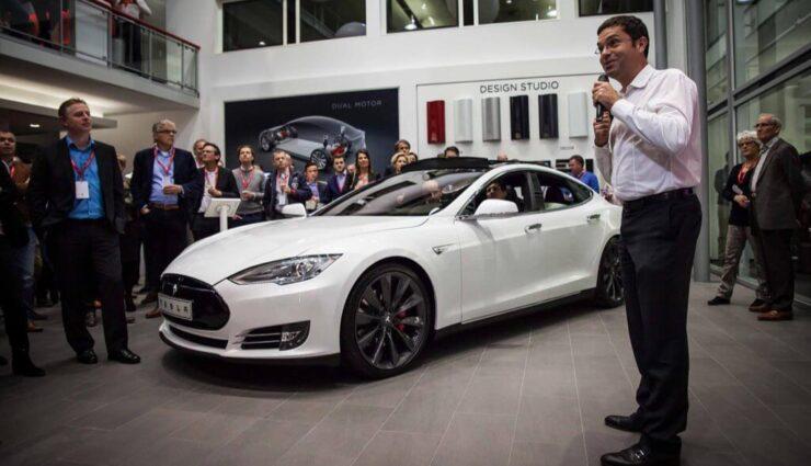 Ehemaliger Tesla-Vizepräsident verkauft 1.500 seiner Tesla-Anteile