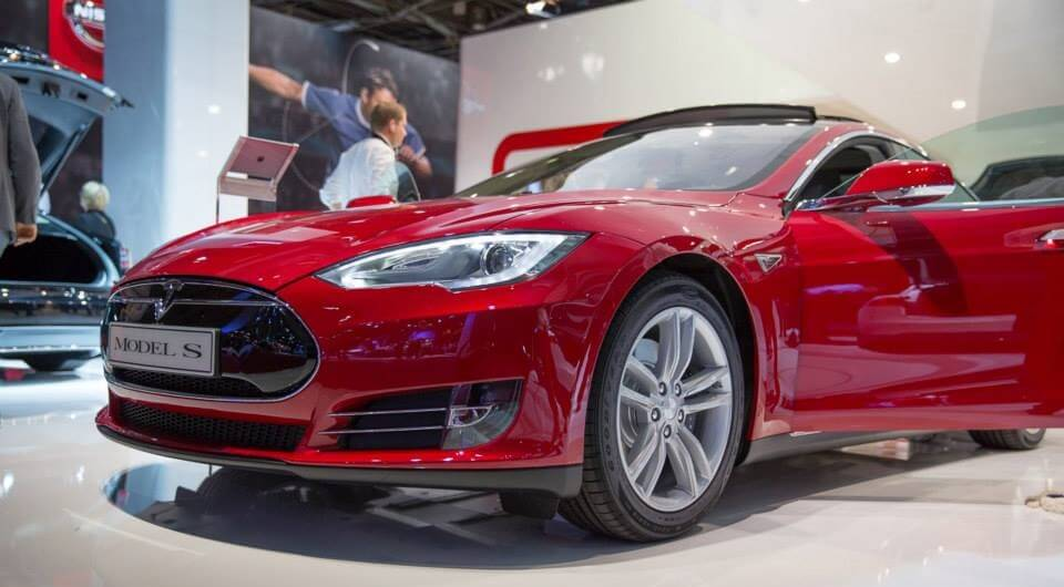 tesla-batterie-forscher-partnerschaft