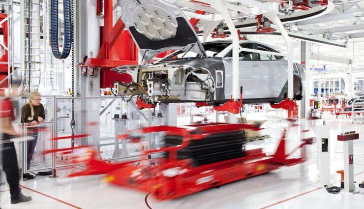 Tesla Motors: Die Roboter sind Schuld am gesunkenen Produktionsziel