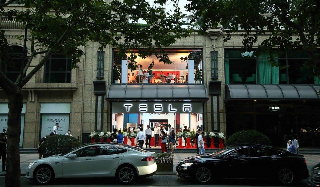 tesla-stores-umgestaltung-2015