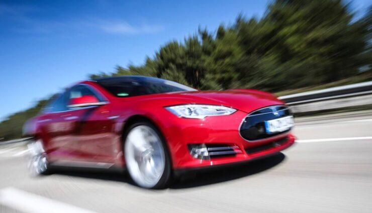 Autopilot-Update könnte am Freitag nach Europa kommen, sagt Musk