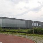tesla-elon-musk-twitter-consumer-reports-expandierung-firmware-7-1