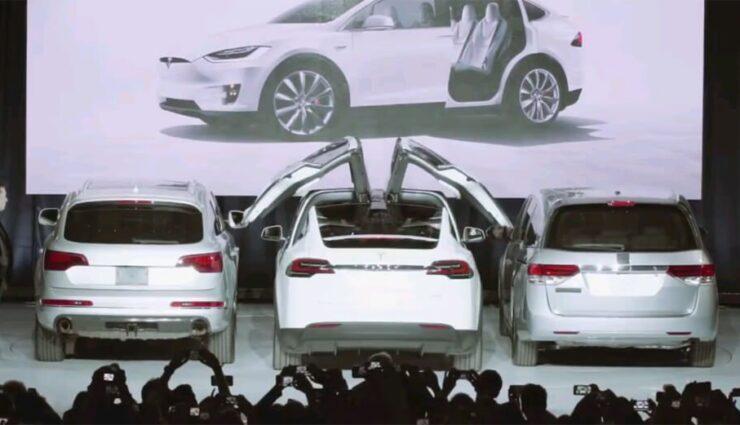 Tesla Model X erreicht über 32.500 Reservierungen, neue Informationen zu den Falcon Wing-Türen