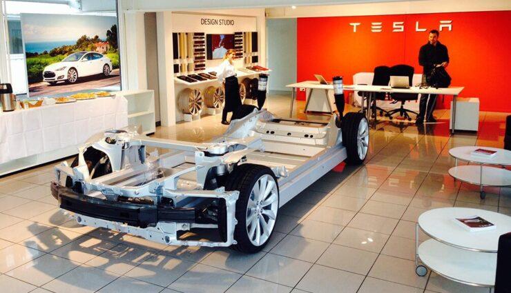 Tesla Motors reicht Patent für Fahrschemel ein, welcher sich bei einem Unfall ablöst und einknickt