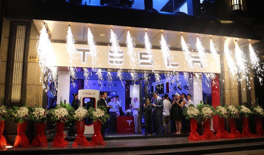 tesla-12-neue-stores-in-usa