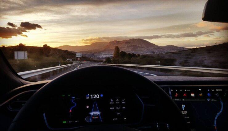 """Elon Musk wollte Hacker George """"geohot"""" Hotz für das Autopilot-Projekt einstellen"""