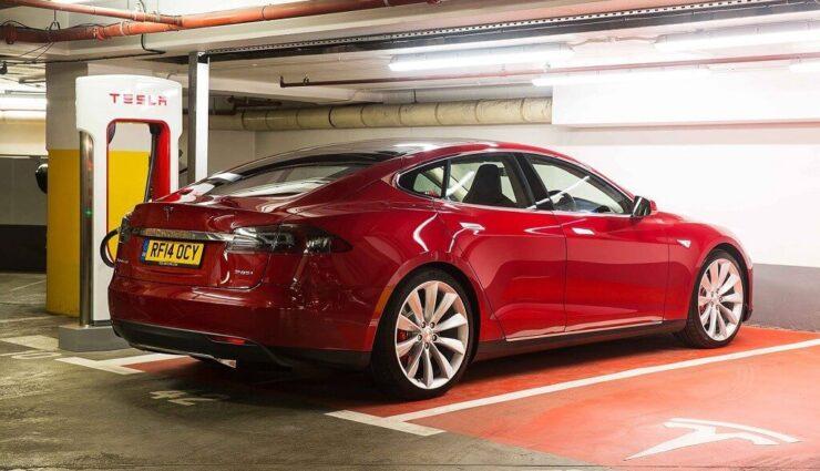 Großbritannien: Tesla Model 3 wird circa 30.000 Pfund (fast 40.000 Euro) kosten