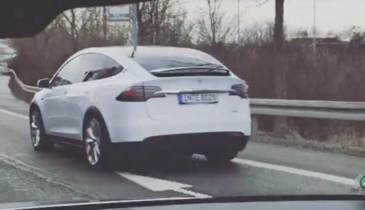 Erstes Tesla Model X in Deutschland gesichtet