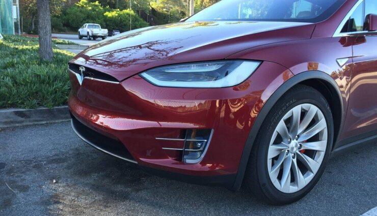 Tesla Model X: Erste Nicht-Signature-Modelle befinden sich in Produktion