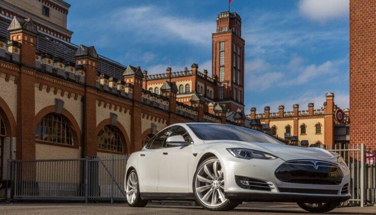 Tesla Motors veröffentlicht Quartalsbericht für das Q4 2015