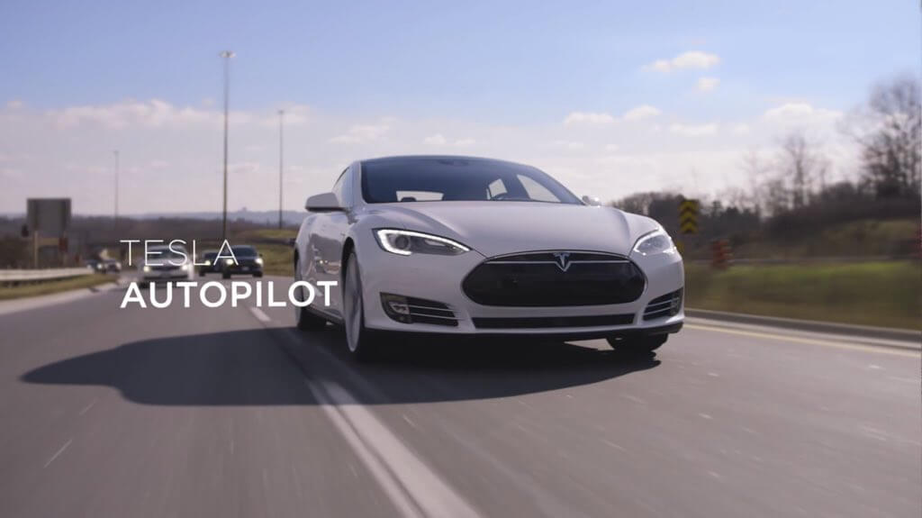 tesla-autopilot-mit-bahnbrechende-technologie-2016