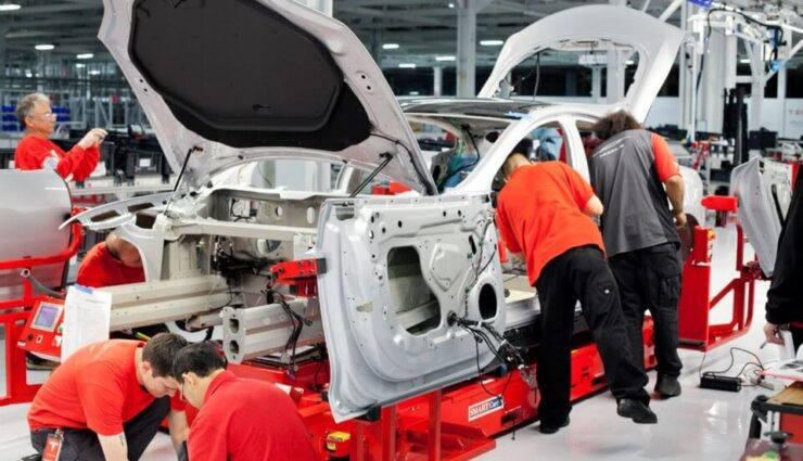 Arbeiten bei Tesla Motors laut Befragung als sehr stressig, aber auch bedeutsam empfunden