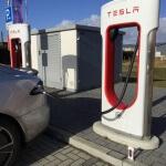 tesla-smartphone-supercharger-2