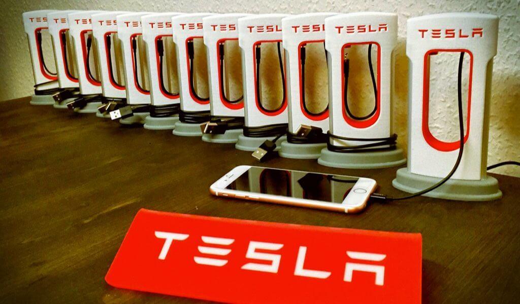 tesla-smartphone-supercharger