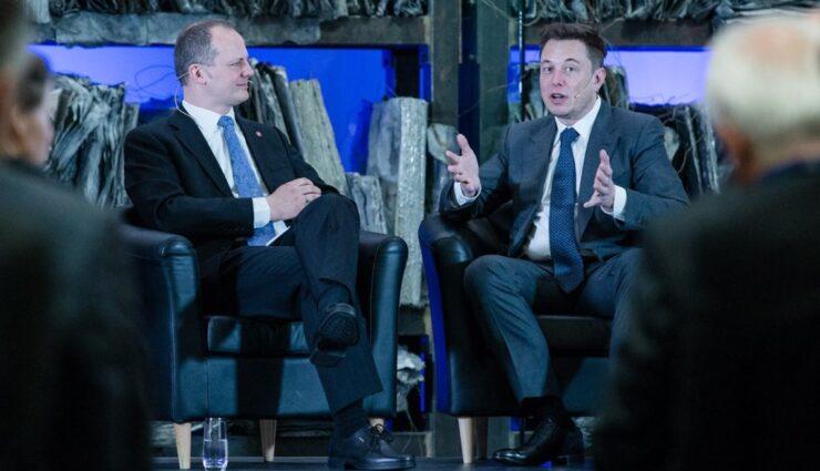 Elon Musk spricht offiziell über mögliche Fahrdienstleistungen von Tesla