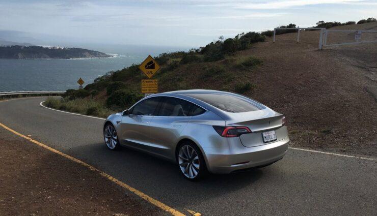"""Tesla Model 3 wird auch mit Beschleunigungs-Upgrade """"Ludicrous"""" erhältlich sein"""