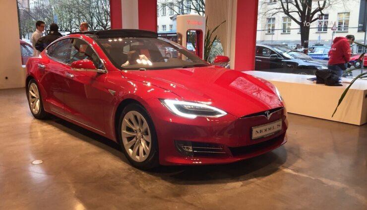 Jede Menge Bilder vom neuen Model S aus dem Münchener Store