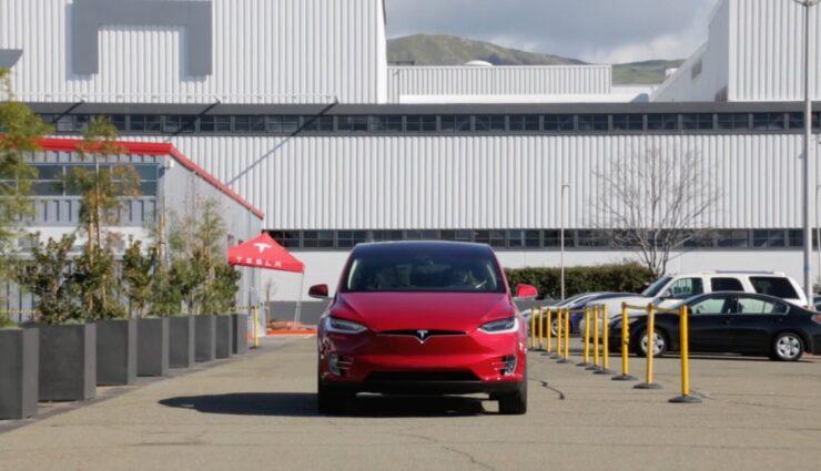 Tesla Model X: Fahrzeuge für europäische Kunden werden bereits produziert