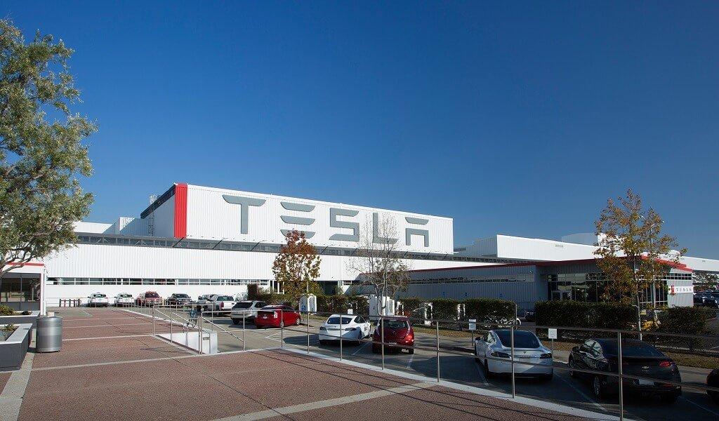 Zwei Corona-Fälle bei Büro-Mitarbeitern von Tesla > teslamag.de