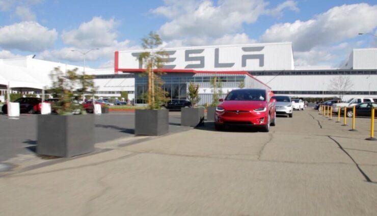 """Tesla veranstaltet eine """"riesige"""" Jobmesse, um """"hunderte"""" neue Mitarbeiter einzustellen"""