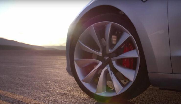 Hankook als Erstausrüster für die Reifen des Model 3 gewählt
