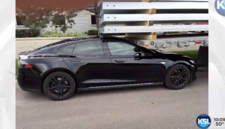 USA: Tesla-Kunde behauptet, sein Tesla Model S sei selbstständig gegen einen Anhänger gefahren