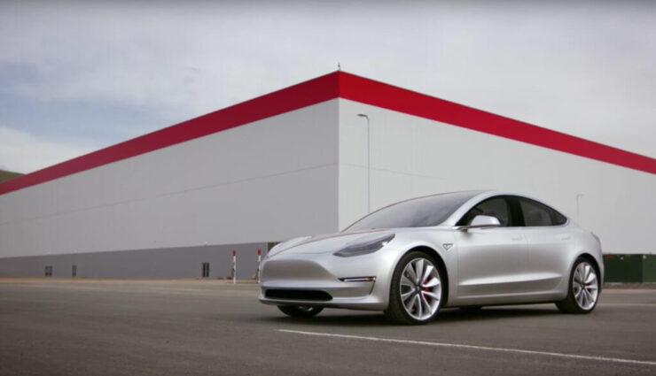 Tesla arbeitet exklusiv mit Panasonic für die Zellproduktion der Model 3-Akkupakete