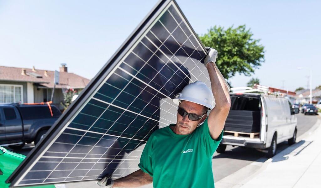 Tesla Aktien Kaufen : tesla will solarcity kaufen und zuk nftig fahrzeuge batteriespeicher und solaranlagen anbieten ~ Aude.kayakingforconservation.com Haus und Dekorationen
