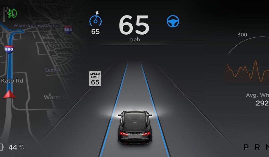 tesla-autopilot-restriktionen-software-v8-0-autobahnkreuz
