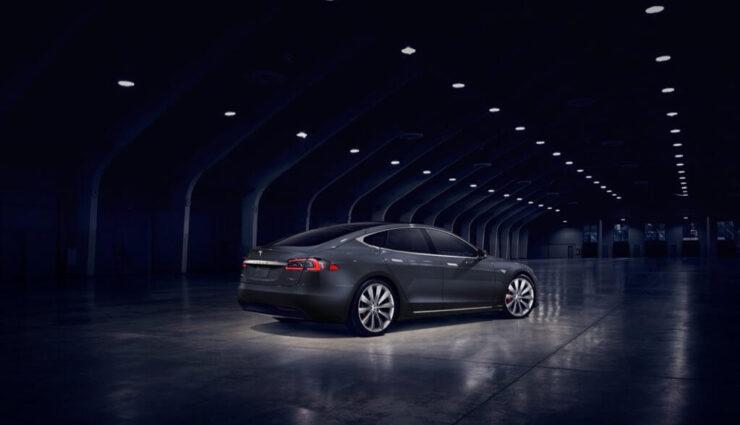 Model S P90D Ludicrous beschleunigt von 0 auf 60 mph in 2,6 Sekunden